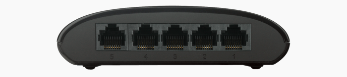 DGS-1005G-view-of-5-ports-note-no-power-supply-port-on-rear-unlike-older-Amazon-photos