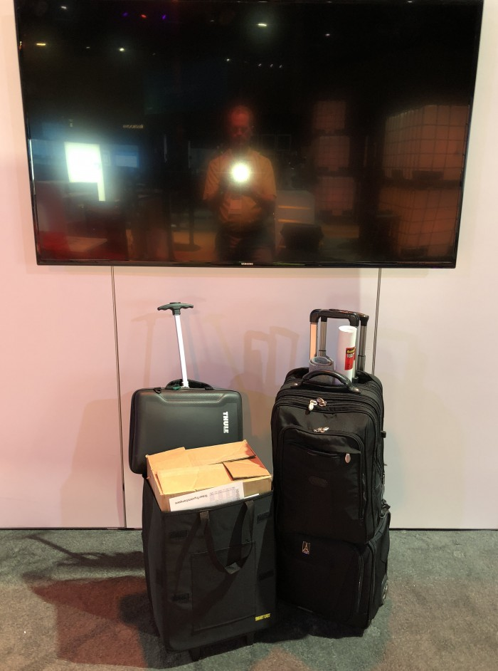 VMworld-2018-US-SYS-5028D-TN4T-and-all-luggage-and-UPS-hotel-to-hotel-transfer-by-Paul-Braren-for-TinkerTry-2018-08-26