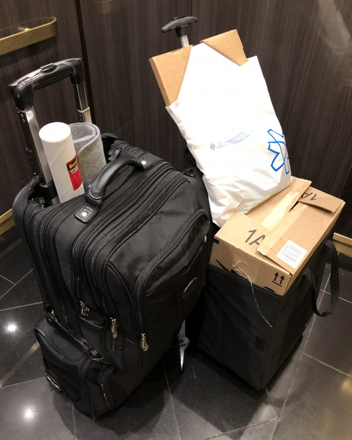 VMworld-2018-US-SYS-5028D-TN4T-and-all-luggage-and-UPS-hotel-to-hotel-transfer-pic-2-by-Paul-Braren-for-TinkerTry-2018-08-26