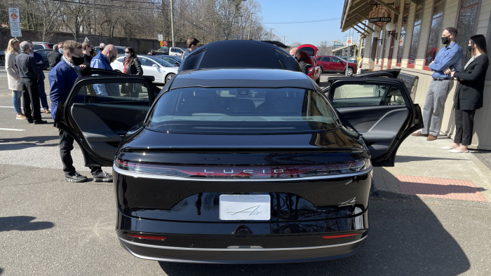 Lucid-Air-rear-Westport-CT-EVfreedomCT-by-Paul-Braren-2021-03-22-IMG_2643.JPG