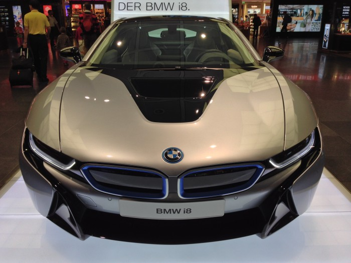 Front-view-of-BMW-i8
