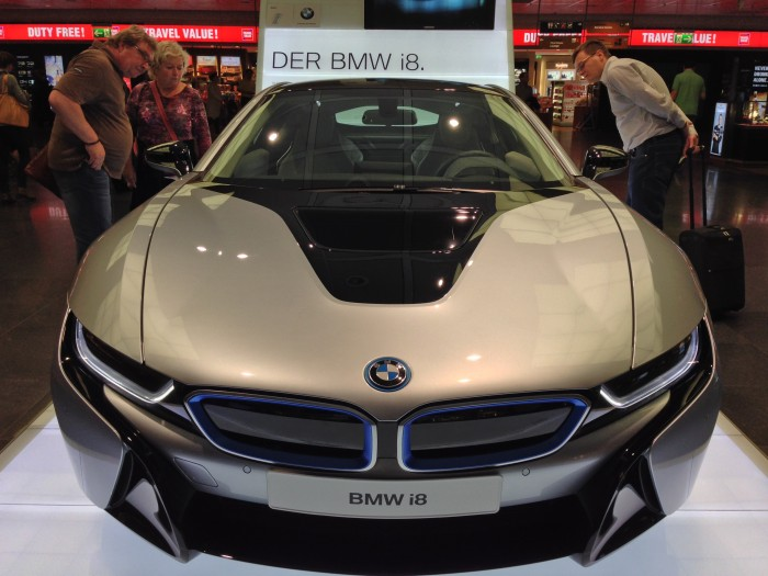 Front-view-of-BMW-i8-with-onlookers