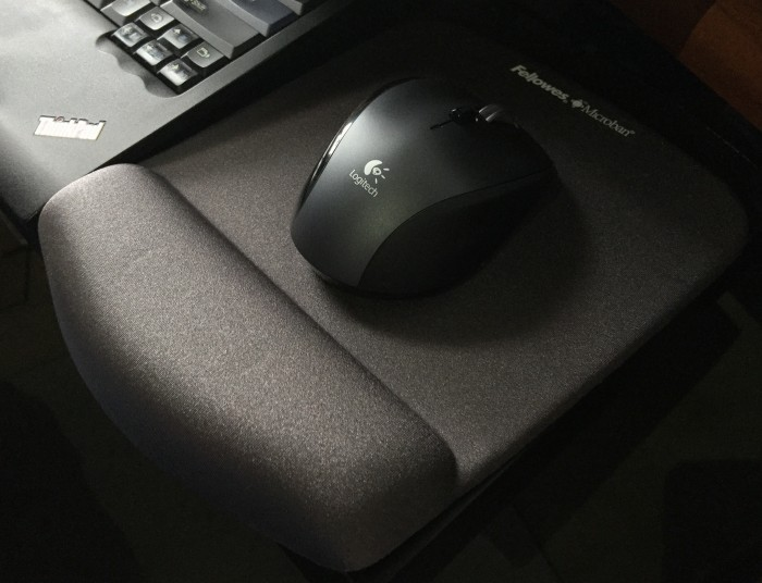 my-Fellowes-Microban-grey-mouse-pad-with-logitech-m705