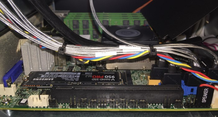SYS-5028D-TN4T_with_Samsung_950_PRO_and_128GB_of_Samsung_memory