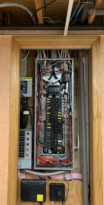 IMG_8550-basement-200-amp-panel-with-number-1-wire-to-garage-subpanel--TinkerTry.JPG