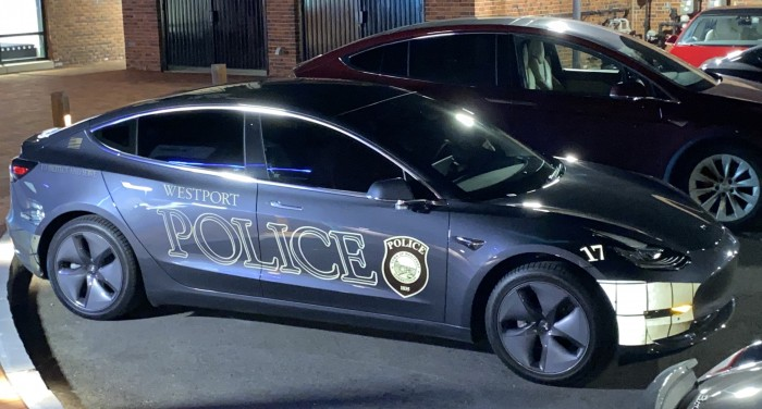 Right-side-Tesla-Model-3-police-car-by-Paul-Braren--TinkerTry