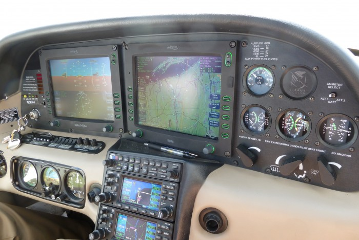 SR22-closer-look-at-dashboard