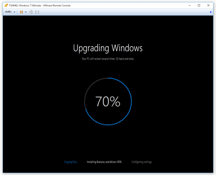 Upgrading_Windows_Your_PC_will_restart_several_times