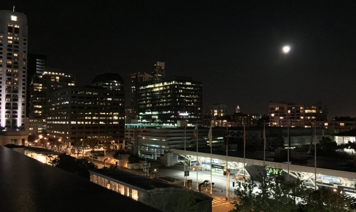 Moon-over-Moscone.JPG